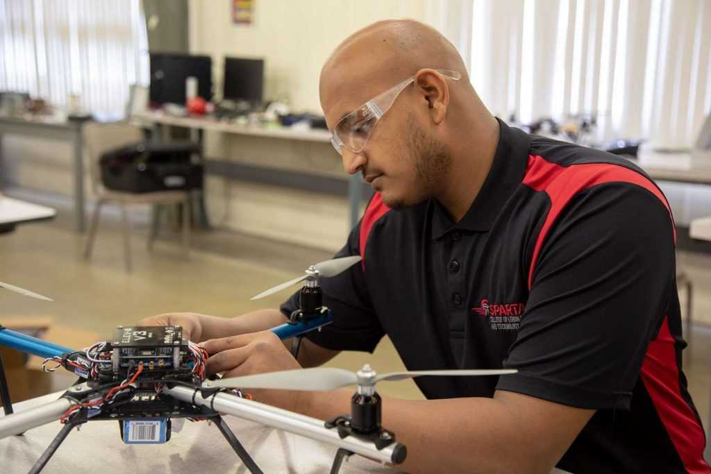 AET student working on drone - Spartan College